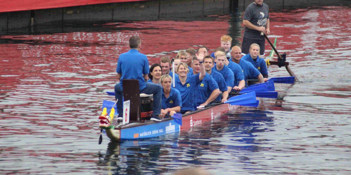 PML beim 12. Drachenbootrennen am Start